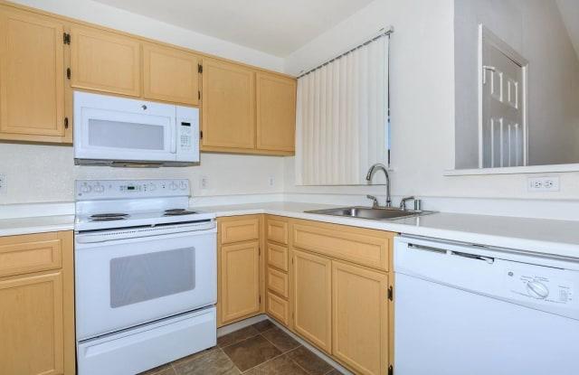 Woodland Hills - 241 W Buchanan Rd, Pittsburg, CA 94565
