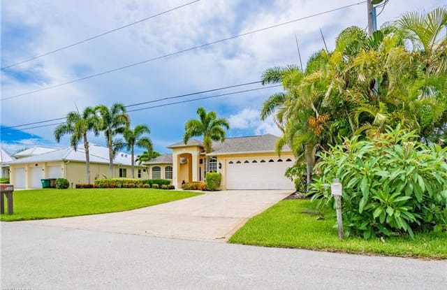 3326 SW 27th PL - 3326 Southwest 27th Place, Cape Coral, FL 33914