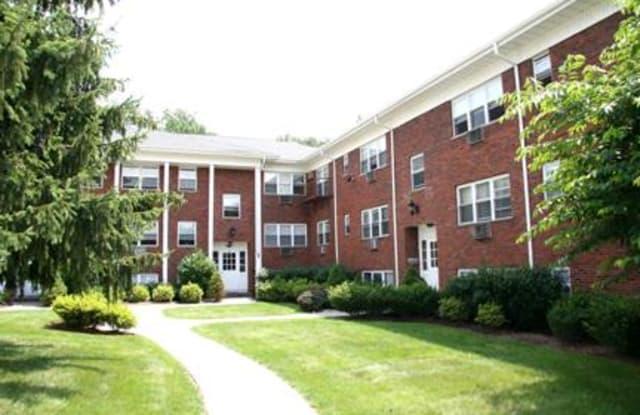 Chelsea Court - 178 Roseland Ave, Caldwell, NJ 07006