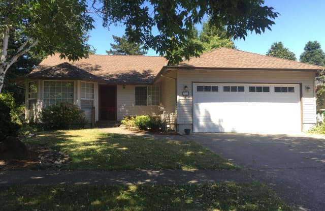 725 SE 33rd St. - 725 Southeast 33rd Street, Troutdale, OR 97060