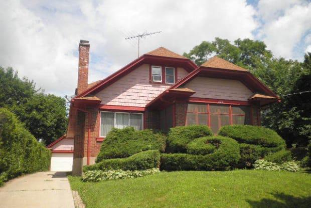 422 South Street - 422 South Street, Elgin, IL 60123