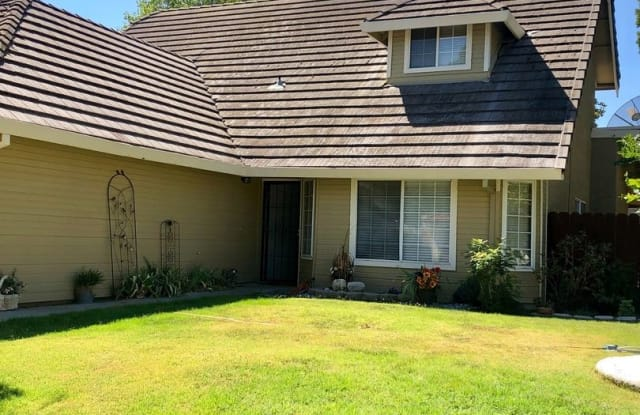 454 D Arpino - 454 D Arpino Court, Patterson, CA 95363