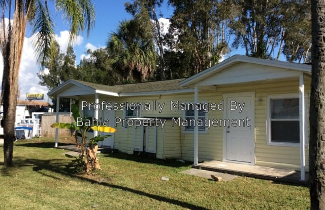 8917 Rocky Creek Dr - 8917 Rocky Creek Drive, Town 'n' Country, FL 33615