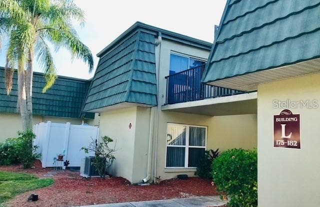 1799 N HIGHLAND AVENUE - 1799 North Highland Avenue, Clearwater, FL 33755