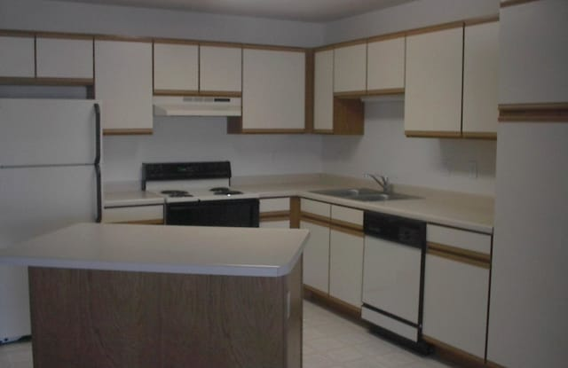 Edgewater - 4344 Clearwater Rd, St. Cloud, MN 56301