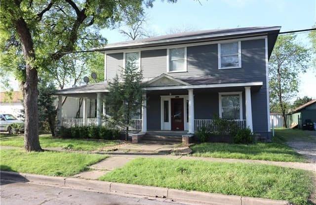 409 W FRANKLIN Street - 409 West Franklin Street, Waxahachie, TX 75165