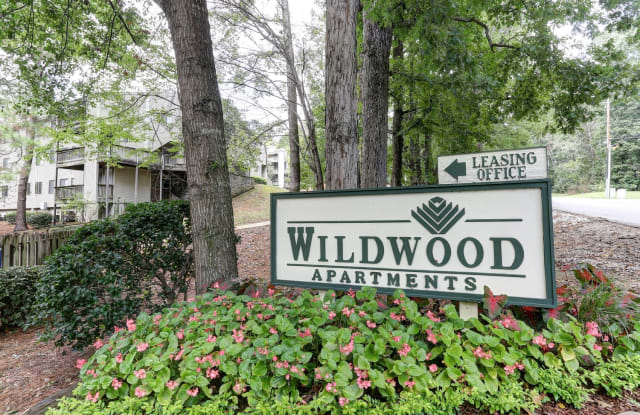 Wildwood Apartment Homes - 601 Wildbrook Ln, Hoover, AL 35216