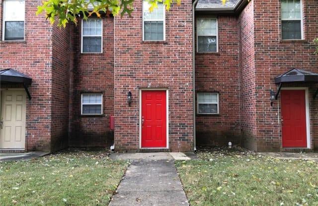 611 W Grove AVE Unit #E - 611 West Grove Avenue, Springdale, AR 72764
