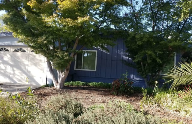 2750 Zeller Ave - 2750 Zeller Avenue, Napa, CA 94558