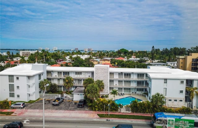 2101 Normandy Dr - 2101 Normandy Drive, Miami Beach, FL 33141