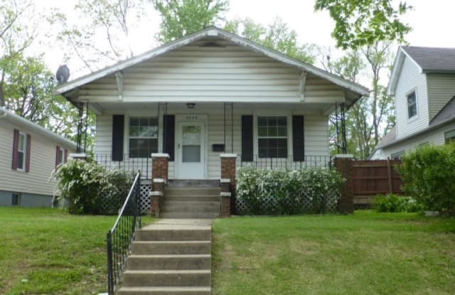 2429 S 10th - 2429 South 10th Street, Springfield, IL 62703
