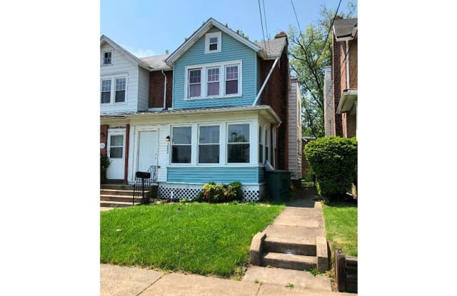 1602 UPLAND STREET - 1602 Upland Street, Chester, PA 19013