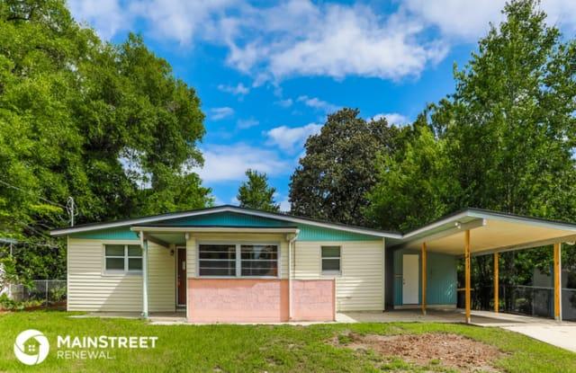 6873 Tom Thumb Drive - 6873 Tom Thumb Drive, Jacksonville, FL 32210