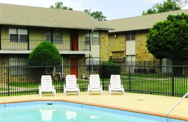 Spring Valley Apartments - 8701 Interstate 30, Little Rock, AR 72209