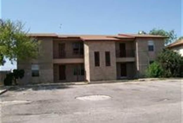 100 Shannon Circle Unit C--RENTAL - 100 Shannon Cir, Del Rio, TX 78840
