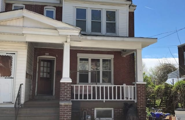 411 E 20th St - 411 East 20th Street, Chester, PA 19013