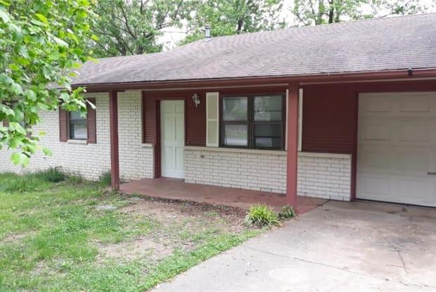 207 NE J ST - 207 Northeast J Street, Bentonville, AR 72712