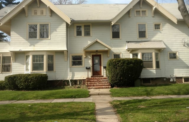 272 Lake View Park - Up - 272 Lakeview Park, Rochester, NY 14613