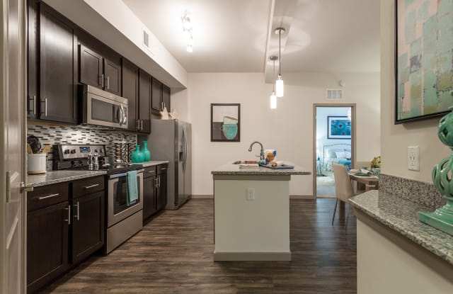 Orchid Run Apartments - 10991 Lost Lake Dr, Naples, FL 34105