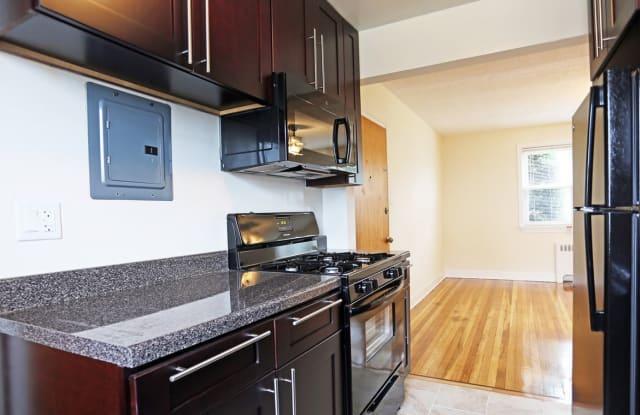 Haddon Hills Apartments - 210 W Crystal Lake Ave, Haddonfield, NJ 08033