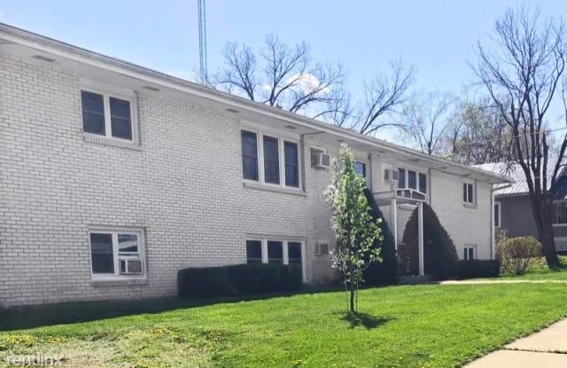 416 E Oak St - 416 East Oak Street, Centerville, IA 52544
