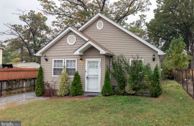 4257 SOUTHERN AVENUE - 4257 Southern Avenue, Coral Hills, MD 20743