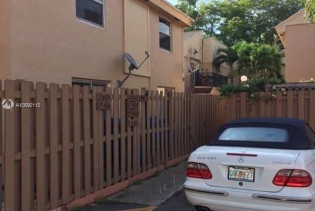 15424 SW 85th Ter - 15424 Southwest 85th Terrace, Kendall West, FL 33193