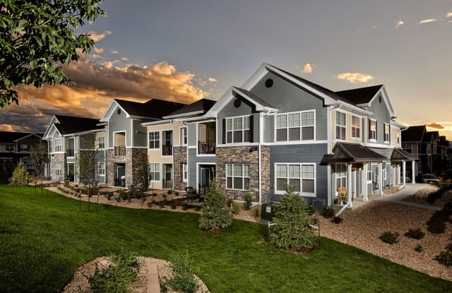 Lucent Blvd Apartments - 1700 Shea Center Dr, Highlands Ranch, CO 80129