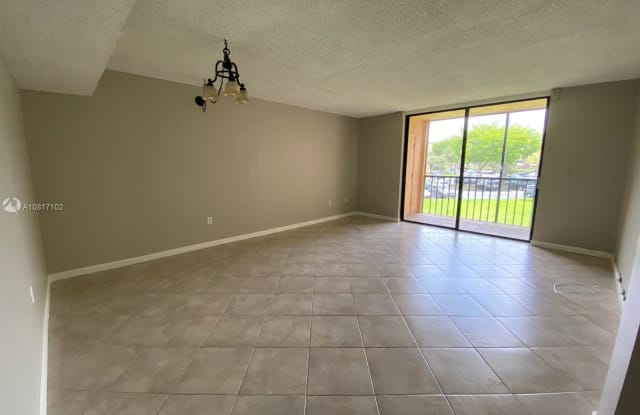 8520 SW 133rd Ave Rd - 8520 Southwest 133rd Avenue Road, Kendale Lakes, FL 33183