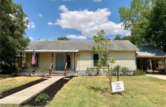 426 W Pietzsch Street - 426 West Pietzsch Street, Bartlett, TX 76511