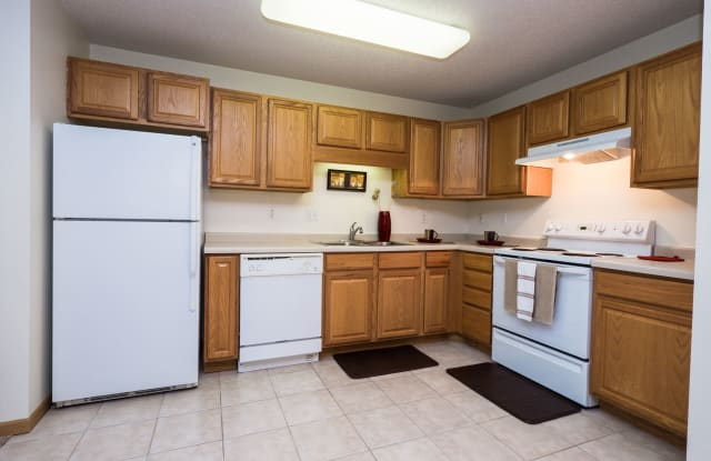 Stonebridge Apartments - 2510 36th Ave S, Fargo, ND 58104