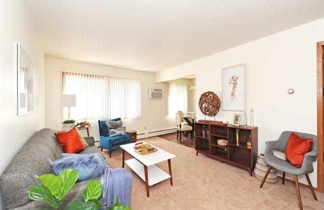 Huntington Place - 5805 73rd Ave N, Brooklyn Park, MN 55429