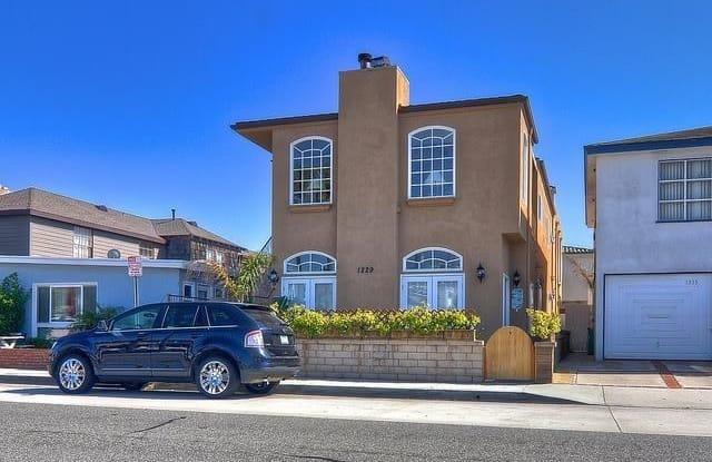 1229 W Balboa Boulevard - 1229 West Balboa Boulevard, Newport Beach, CA 92661