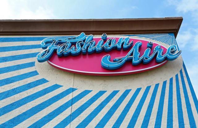 Fashion Aire Apartments - 1405 North Loop Boulevard, Austin, TX 78756