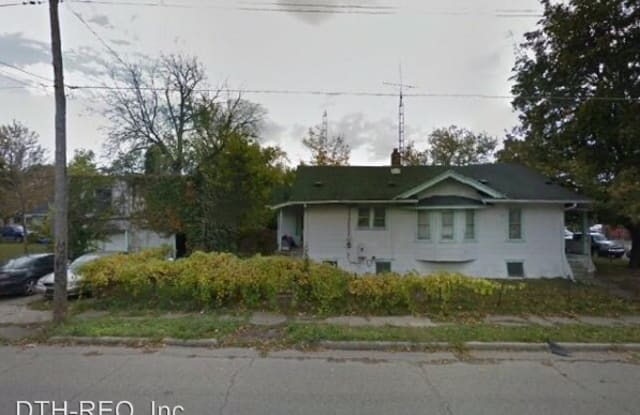 2616 Maplewood Ave - 2616 Maplewood Avenue, Flint, MI 48506