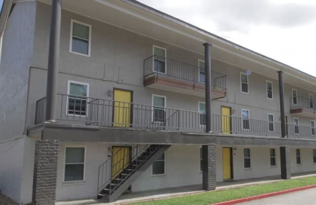 The Hub at Baton Rouge - 5151 Highland Rd, Baton Rouge, LA 70808