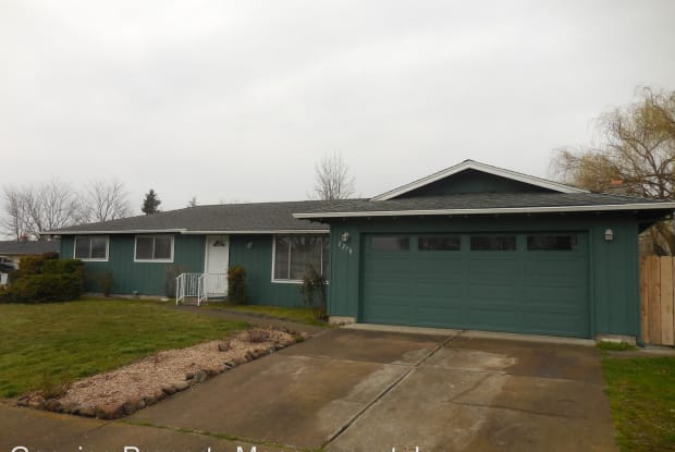 2270 Kerry Drive - 2270 Kerry Drive, Medford, OR 97504