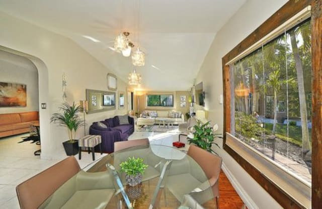 387 Enfield Street - 387 Enfield Street, Boca Raton, FL 33487