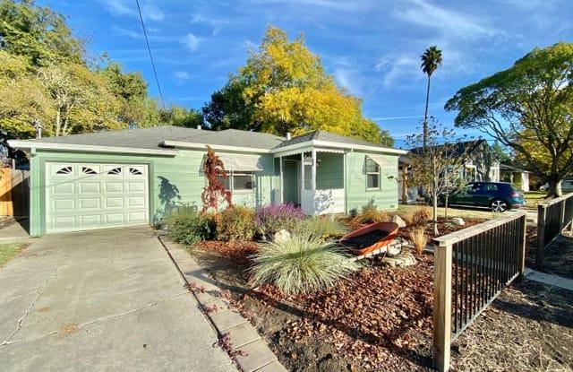 38 Chelsea Avenue - 38 Chelsea Avenue, Napa, CA 94558