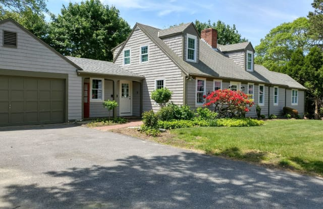 80 Stanley Way - 80 Stanley Way, Barnstable Town, MA 02632