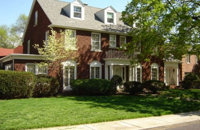 3810 N Linden - 3810 North Linden Lane, Peoria, IL 61614
