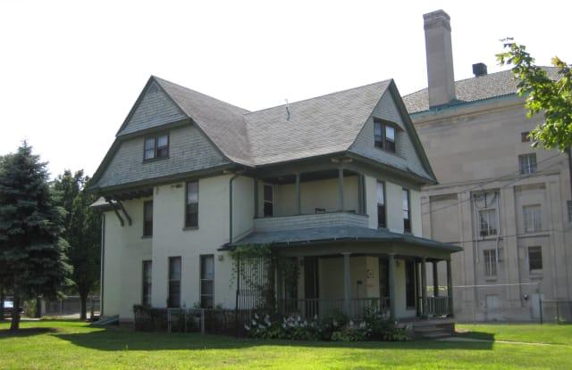 Prescott Place - 437 West Bancroft Street, Toledo, OH 43620
