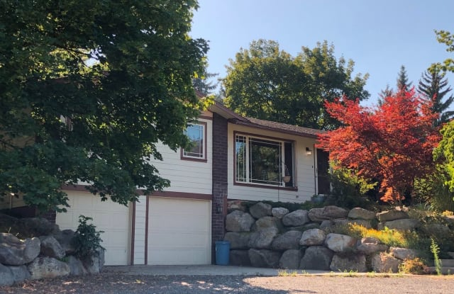 10715 N Fairview Rd - 10715 North Fairview Road, Mead, WA 99217