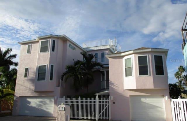140 89TH AVENUE - 140 89th Avenue, Treasure Island, FL 33706
