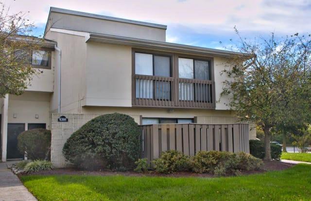 Regency Club - 6001 Heritage Hill Dr, Glen Burnie, MD 21061