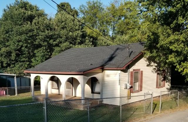 4038 Denham Rd - 4038 Denham Road, Chattanooga, TN 37406