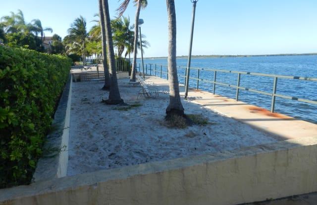 1025 Lake Shore Drive - 1025 Lake Shore Drive, Lake Park, FL 33403