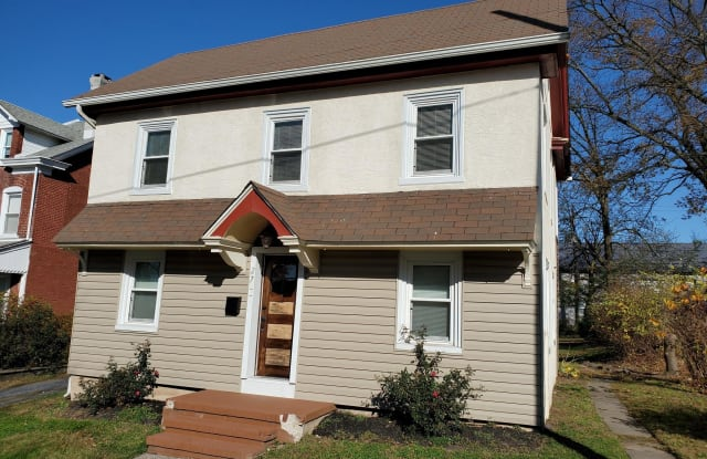 27 N FRONT STREET - 27 North Front Street, Souderton, PA 18964