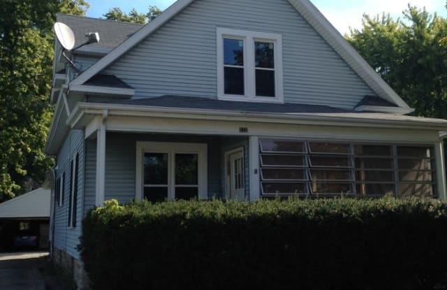 532 Oak Street - 532 Oak Street, Oshkosh, WI 54901