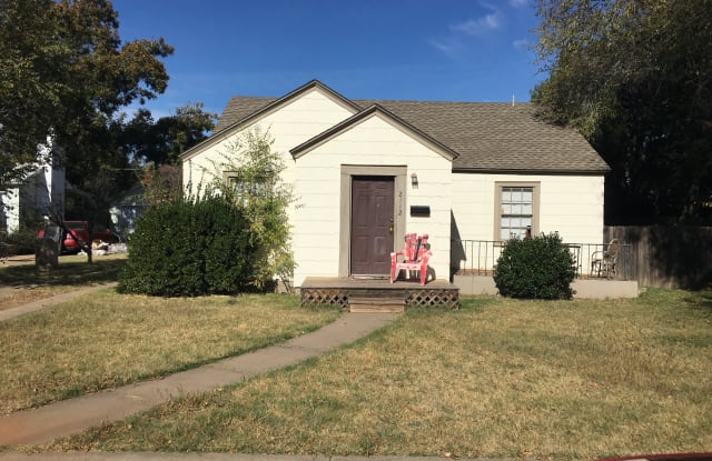 2112 29th St - 2112 29th Street, Lubbock, TX 79411
